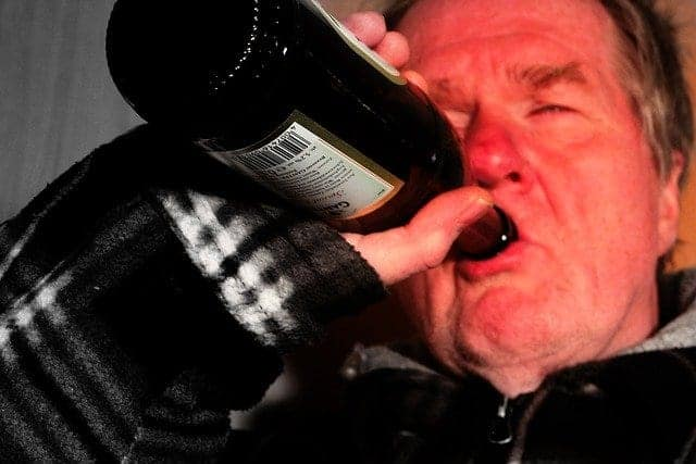 Healthy Tips for Men over Alcohol Consumption
